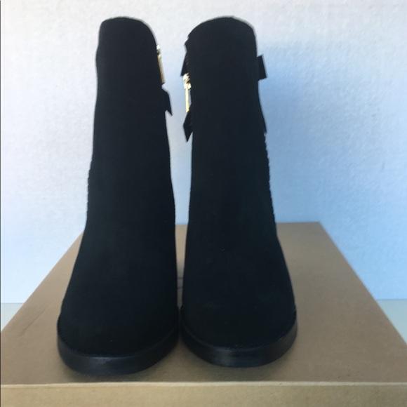 09a1c7a3ca2 New UGG Women Fraise Whipstitch Boots. NWT